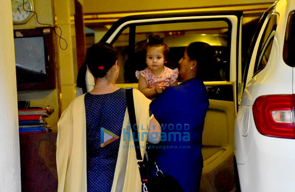 Soha Ali Khan's daughter Innaya spotted Saif Ali Khan's house in Bandra (3)