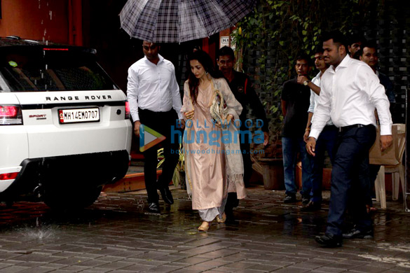 Sohail Khan, Malaika Arora and Amrita Arora snapped at Arpita Khan Sharma's house for Rakshabandhan