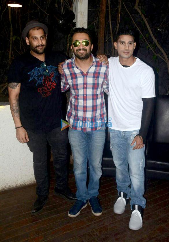 Sunny Leone, Shakti Kapoor, Prateik Babbar and others snapped at B Bar in Juhu