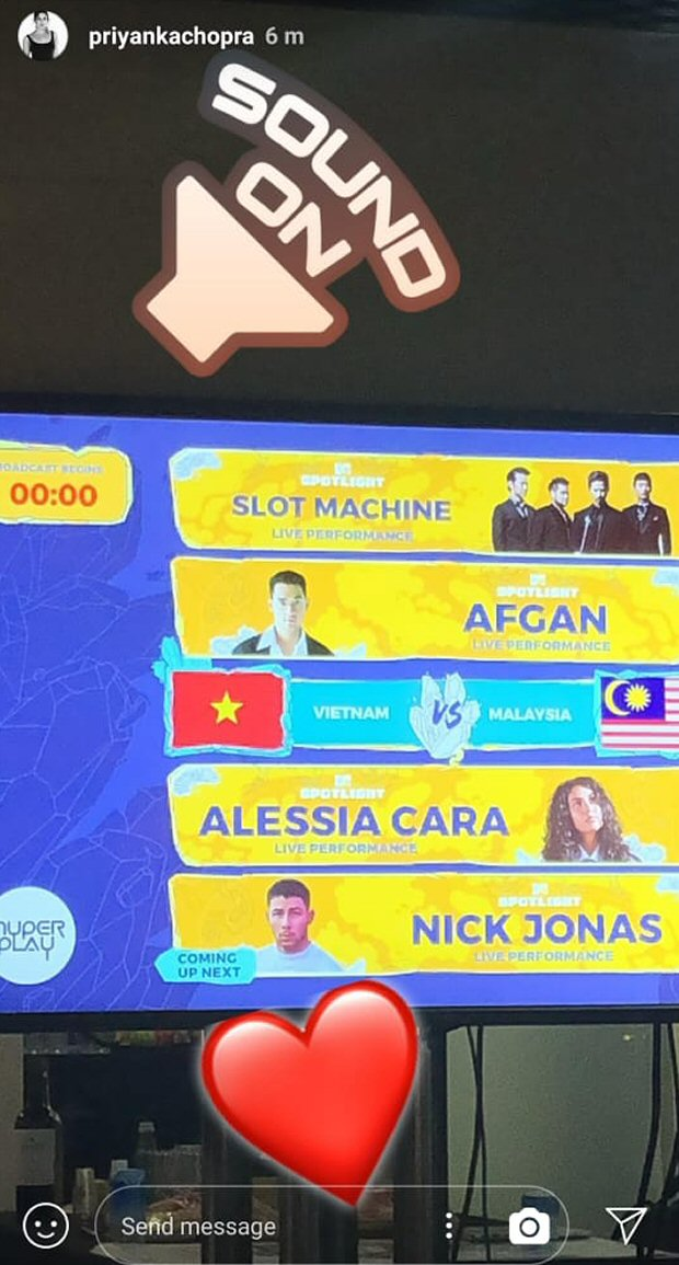 WATCH: Priyanka Chopra dances and cheers for beau Nick Jonas at his Singapore concert