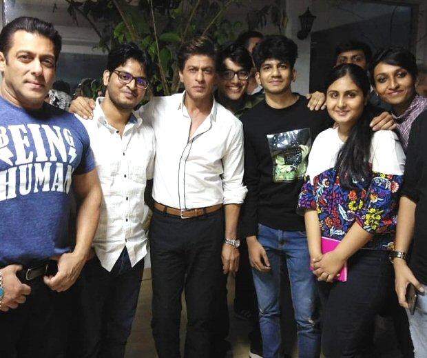 WOW! Rani Mukerji joins Karan Arjun stars Shah Rukh Khan and Salman Khan on Dus Ka Dum