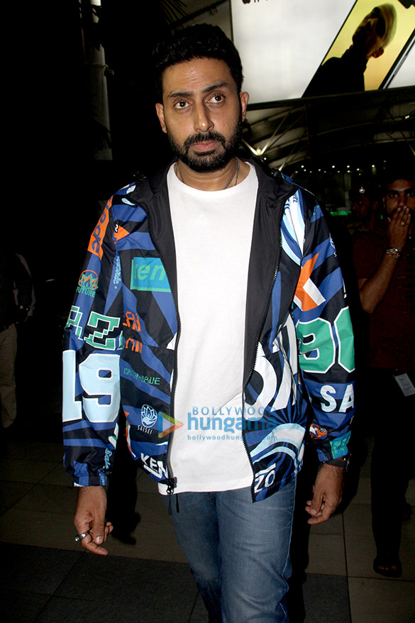 Abhishek Bachchan, Taapsee Pannu and others snapped at the airport (1)