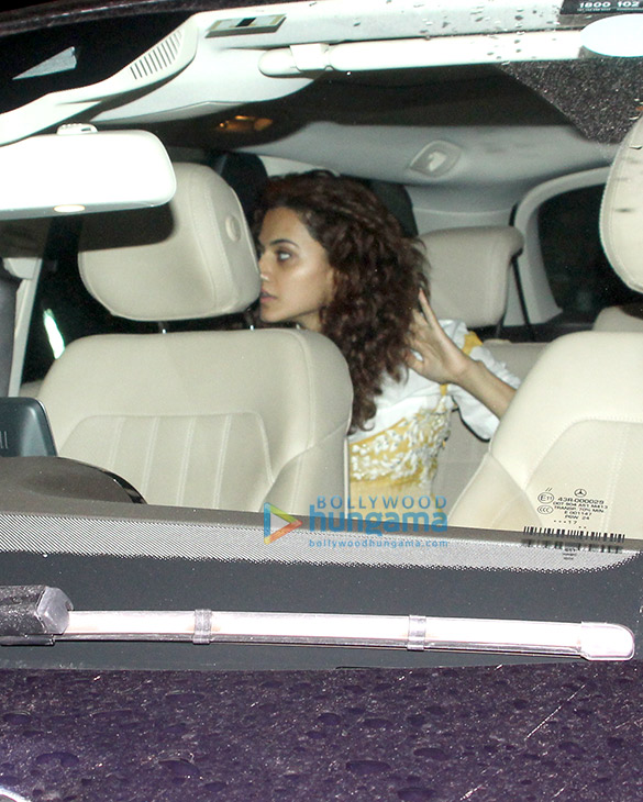 Abhishek Bachchan, Taapsee Pannu and others snapped at the airport (2)