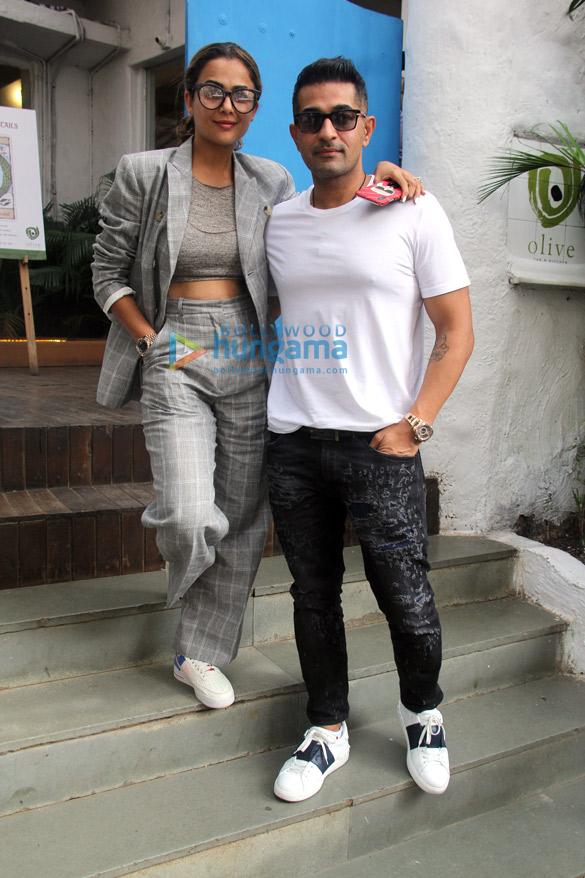 Arbaaz Khan and Amrita Arora snapped at Olive in Bandra (3)