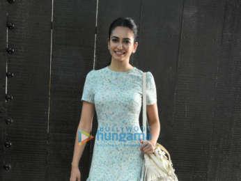 Kriti Kharbanda spotted at Saffron Media Pvt Ltd in Juhu
