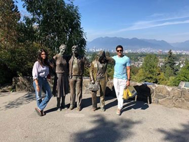 LEAKED PHOTOS: Farhan Akhtar and Shibani Dandekar fuel dating rumours during an outing in Vancouver