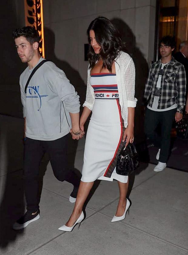 Priyanka Chopra with Nick Jonas leaving for US Open (3)