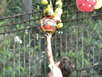 Shah Rukh Khan, Gauri Khan and AbRam greet fans on the occasion of Janmashtami