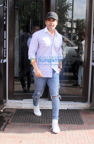 Tusshar Kapoor spotted at Bastian