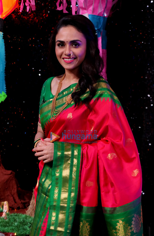 Amruta Khanvilkar snapped on sets of the show Marathi Super Dancer