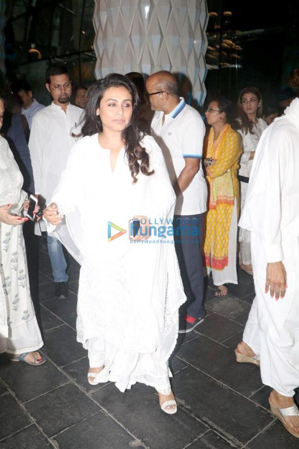 Celebs attend the prayer meet of late Krishna Raj Kapoor at Sahara Star hotel-01 (10)