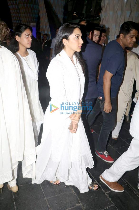 Celebs attend the prayer meet of late Krishna Raj Kapoor at Sahara Star hotel-01 (12)