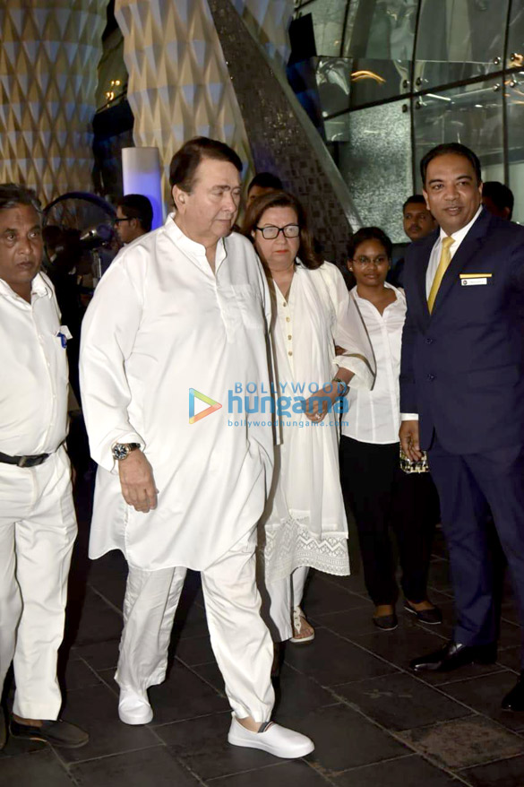 Celebs attend the prayer meet of late Krishna Raj Kapoor at Sahara Star hotel-01 (18)
