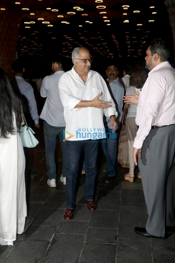 Celebs attend the prayer meet of late Krishna Raj Kapoor at Sahara Star hotel-01 (6)