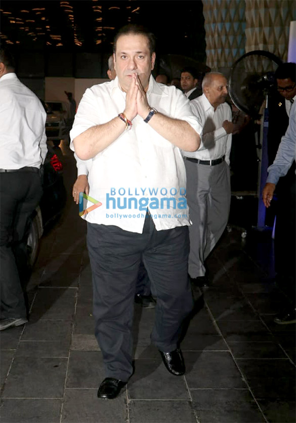 Celebs attend the prayer meet of late Krishna Raj Kapoor at Sahara Star hotel (7)