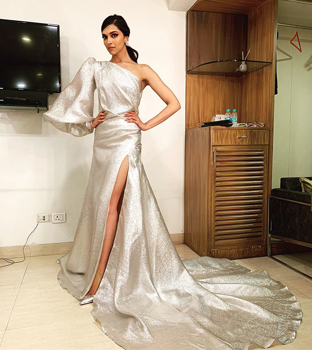 Deepika Padukone in Gauri & Nainika for Elle Beauty Awards 2018 (3)