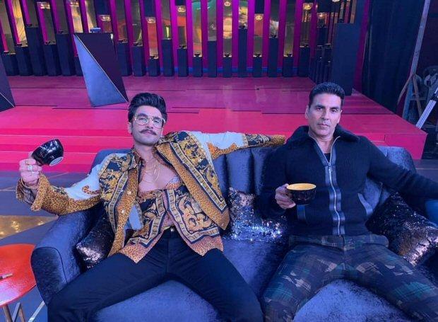 Koffee With Karan 6 Akshay Kumar and Ranveer Singh KISS Karan Johar