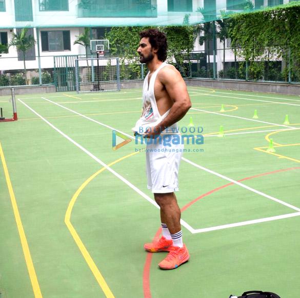 Kunal Kapoor snapped training