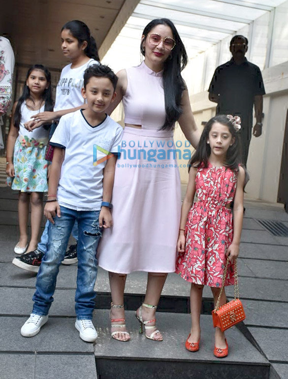 Manyata Dutt spotted with her kids at Hakkasan in Bandra (3)