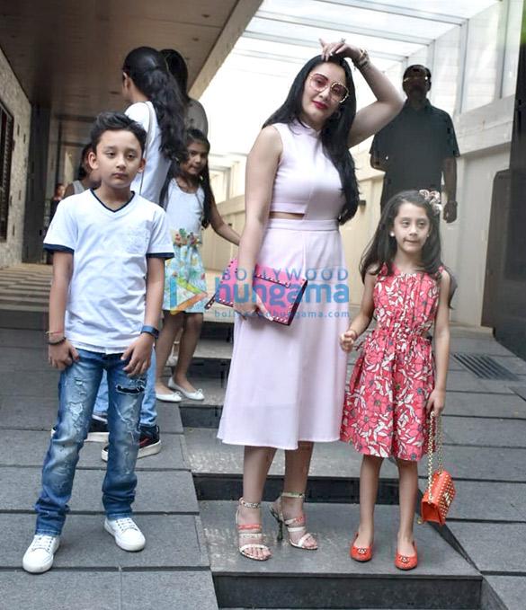 Manyata Dutt spotted with her kids at Hakkasan in Bandra (5)