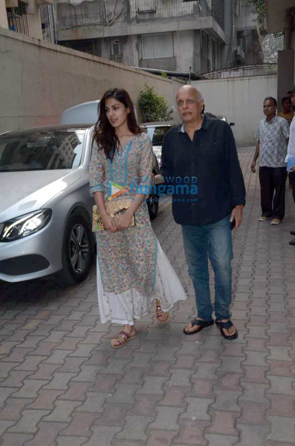Rhea Chakraborty and Mahesh Bhatt snapped in Mumbai (4)