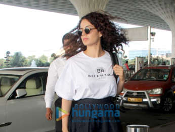 Shah Rukh Khan, Kajol, Sonakshi Sinha and others snapped at the airport