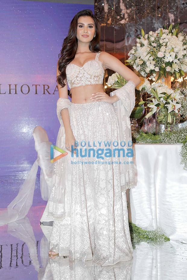 Tara Sutaria in Manish Malhotra for the Festive Junction Show (3)