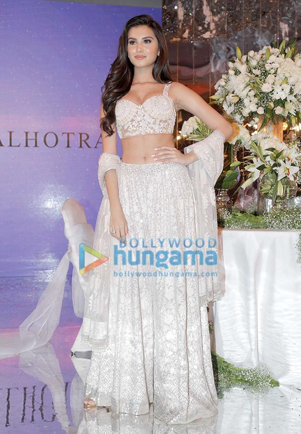 Tara Sutaria in Manish Malhotra for the Festive Junction Show (5)