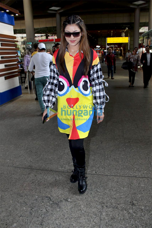 Urvashi Rautela and Javed Akhtar snapped at the airport