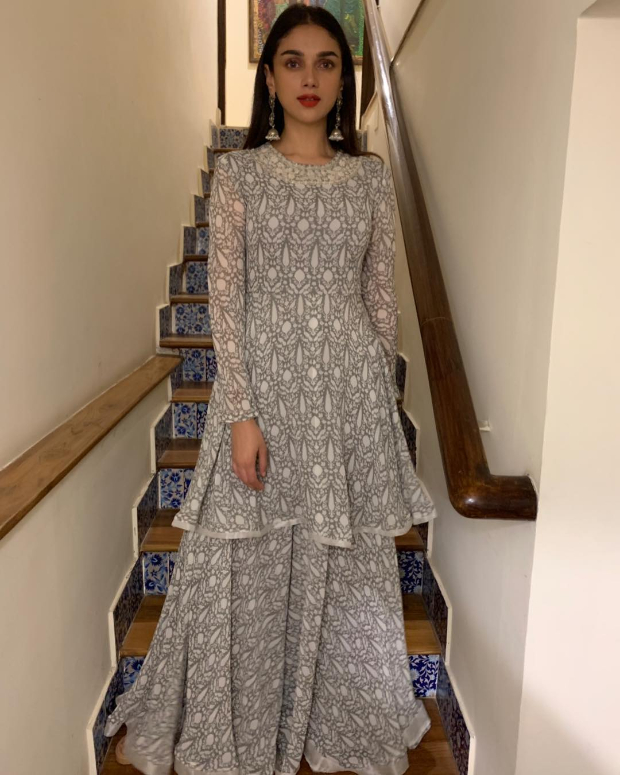 Aditi Rao Hydari in Ridhi Mehra for an art exhibit in Hyderabad (1)