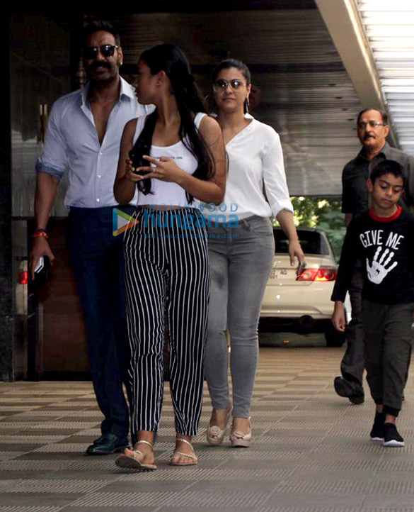 Ajay Devgn and family snapped at Hakkasan in Bandra (1)