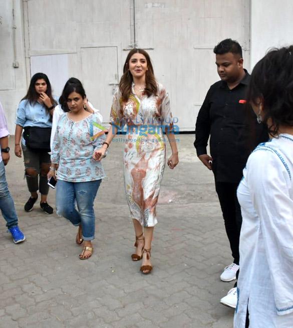Anushka Sharma in Aarti Vijay Gupta for Zero promotions (3)