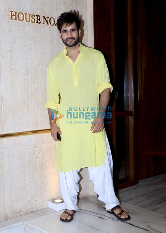 Celebs grace Manish Malhotra's house party (4)