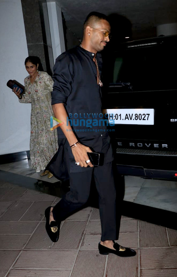 Celebs grace Manish Malhotra's house party (5)