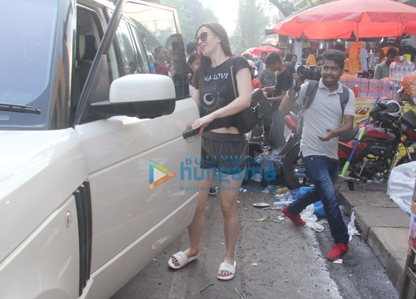 Giorgia Andriani snapped in Bandra (2)