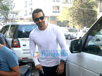 Harshvardhan Rane and Kim Sharma spotted at Sequel in Bandra