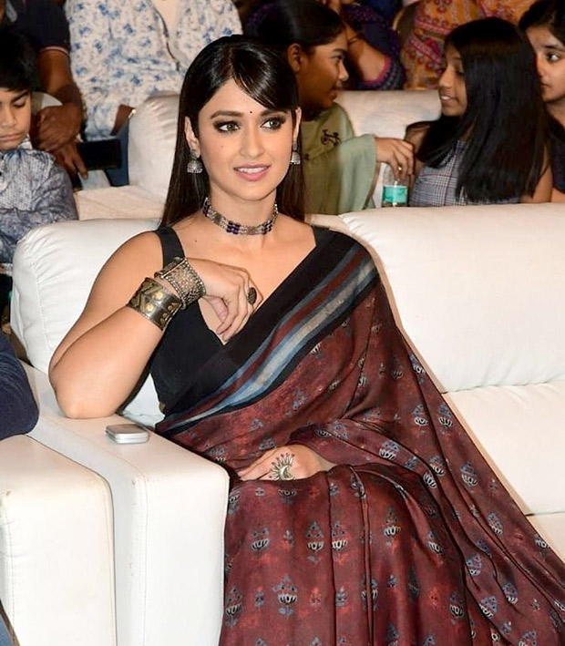 Ileana D'Cruz in Anita Dongre for Amar Akbar Anthony trailer launch in Hyderabad (4)