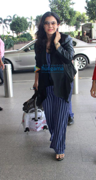 Kajol and Kiara Advani and others snapped at the airport