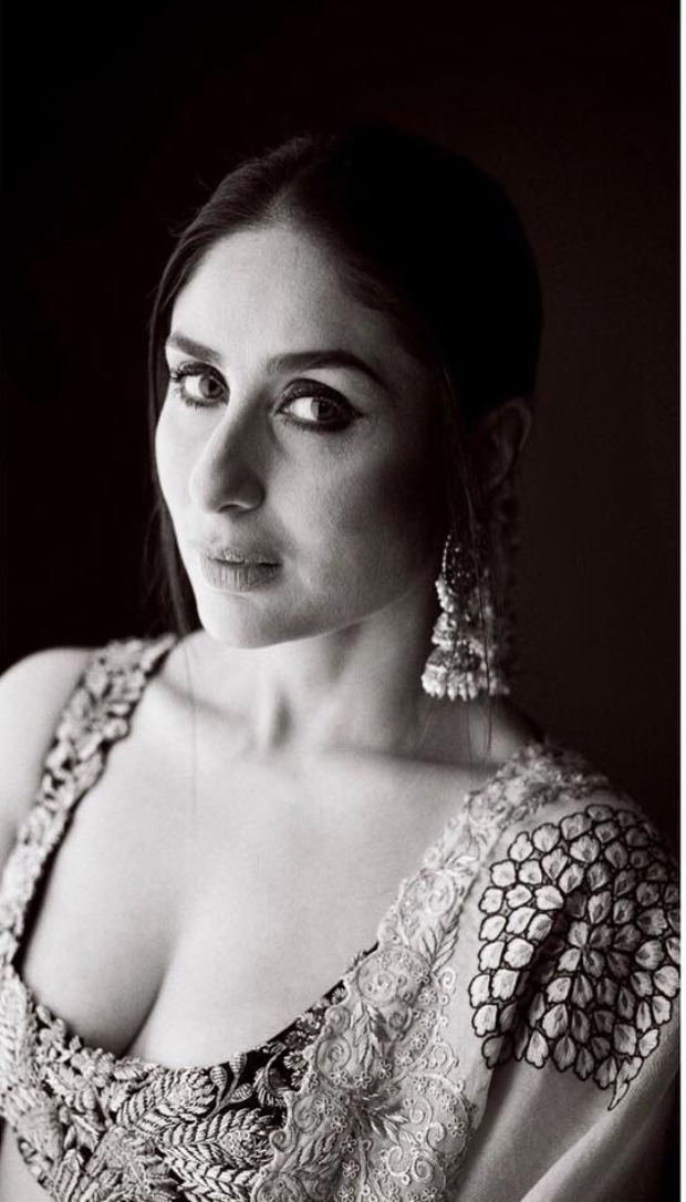 Kareena Kapoor Khan in Anamika Khanna for Diwali 2018 bash (4)