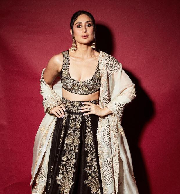 Kareena Kapoor Khan in Anamika Khanna for for Diwali 2018 bash (1)