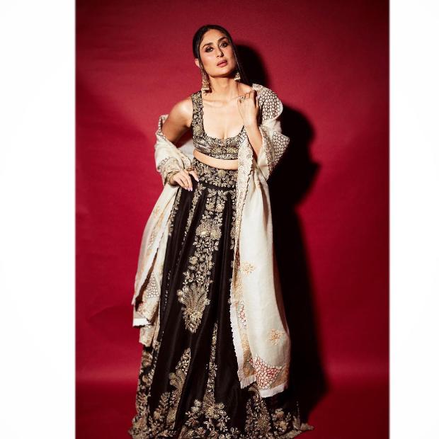 Kareena Kapoor Khan in Anamika Khanna for for Diwali 2018 bash (2)