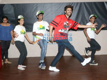 Kartik Aaryan snapped spending Children's Day with kids from Smile Foundation at Smash