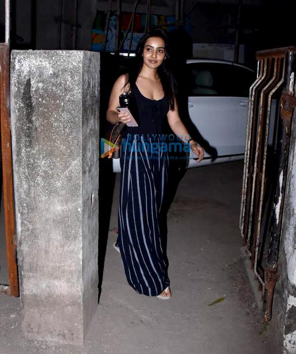 Neha Sharma spotted at Kromakay salon in Juhu (6)