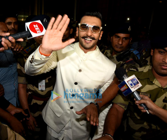 Ranveer Singh, Deepika Padukone and Parineeti Chopra snapped at the airport (1)