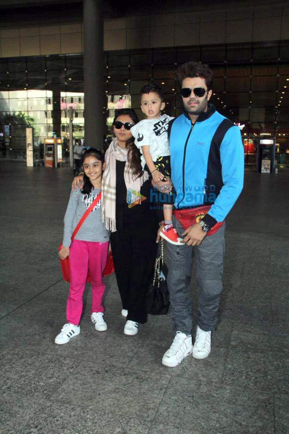 Shah Rukh Khan, Kareena Kapoor Khan, Amitabh Bachchan and others snapped at the airport3 (2)