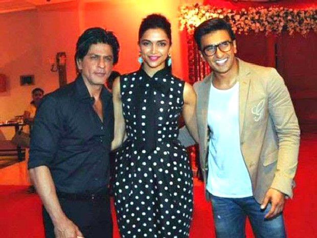 Shah Rukh Khan showers LOVE LOVE LOVE on Deepika Padukone and Ranveer before their wedding