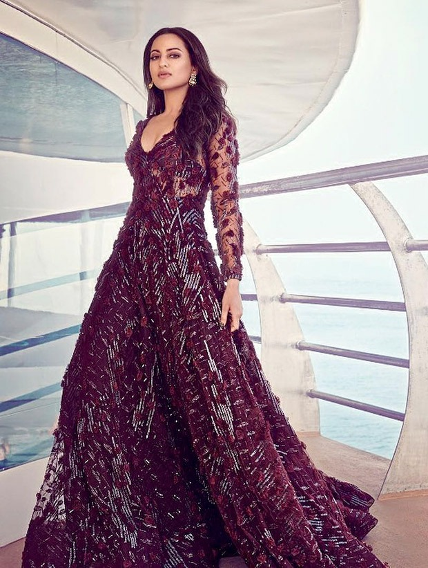 Sonakshi Sinha in Falguni and Shane Peacock for HELLO! magazine photoshoot (7)