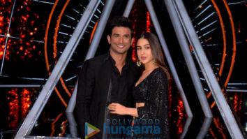 Sushant Singh Rajput and Sara Ali Khan snapped on sets of Indian Idol promoting their film Kedarnath