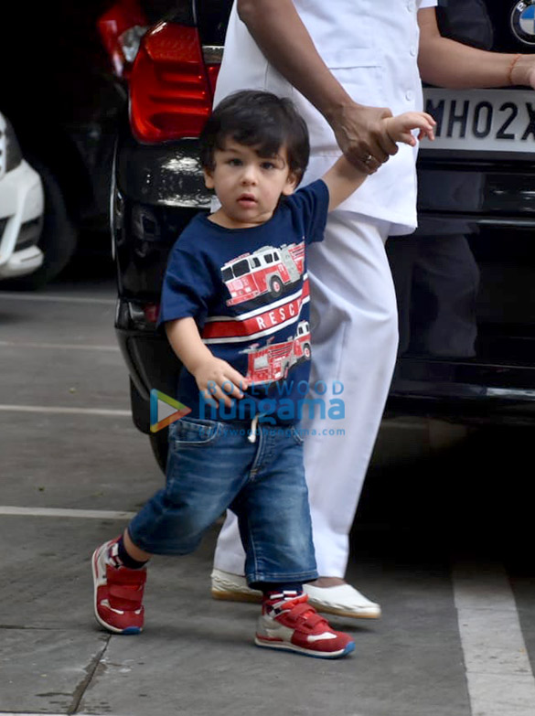 Taimur Ali Khan and Tusshar Kapoor's son Laksshya spotted in Bandra (5)