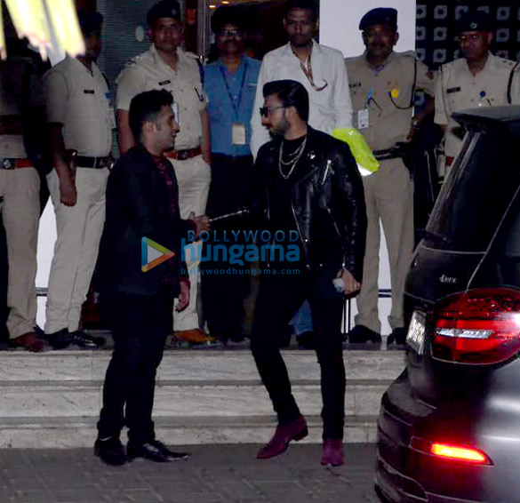 Ajay Devgn, Kajol, Sara Ali Khan and others snapped at the airport